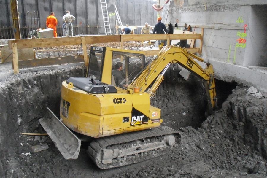 Opere-scavi-interno-edificio